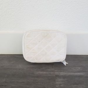 Trish McEvoy Bags - White Quilted Trish McEvoy Large Makeup Planner